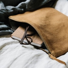 pouch-camel-1