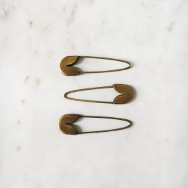 safety-pin-brass