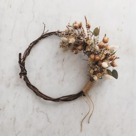 wreath-pale-1a